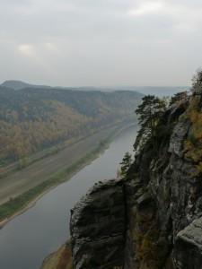 Elbe aus Sicht der Basteibrücke