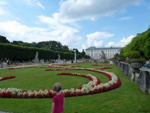 Im Mirabellgarten